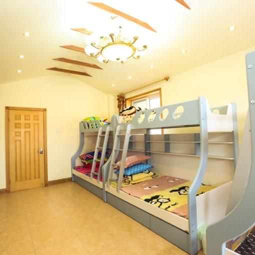 Jak dobrać materac do łóżka piętrowego?
